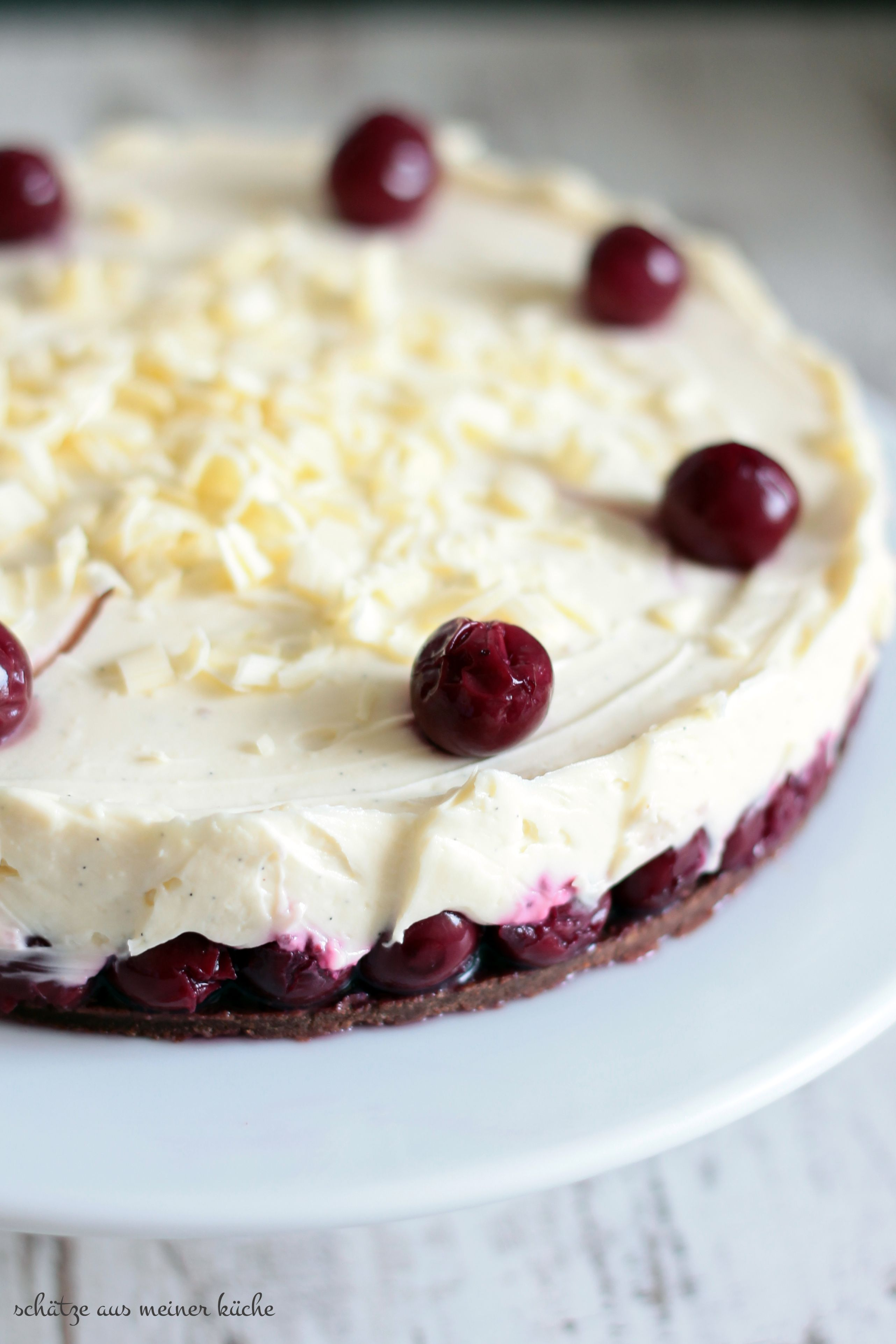 White Chocolate Cherry-Cheesecake